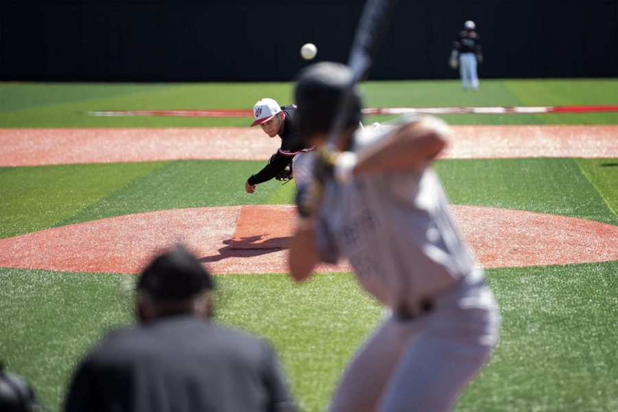 Junior+left-handed+pitcher+Evan+Acostra+%2831%29+pitches+during+the+Hilltoppers+13-1+loss+to+Southern+Mississippi+on+Sunday+at+Nick+Denes+Field.