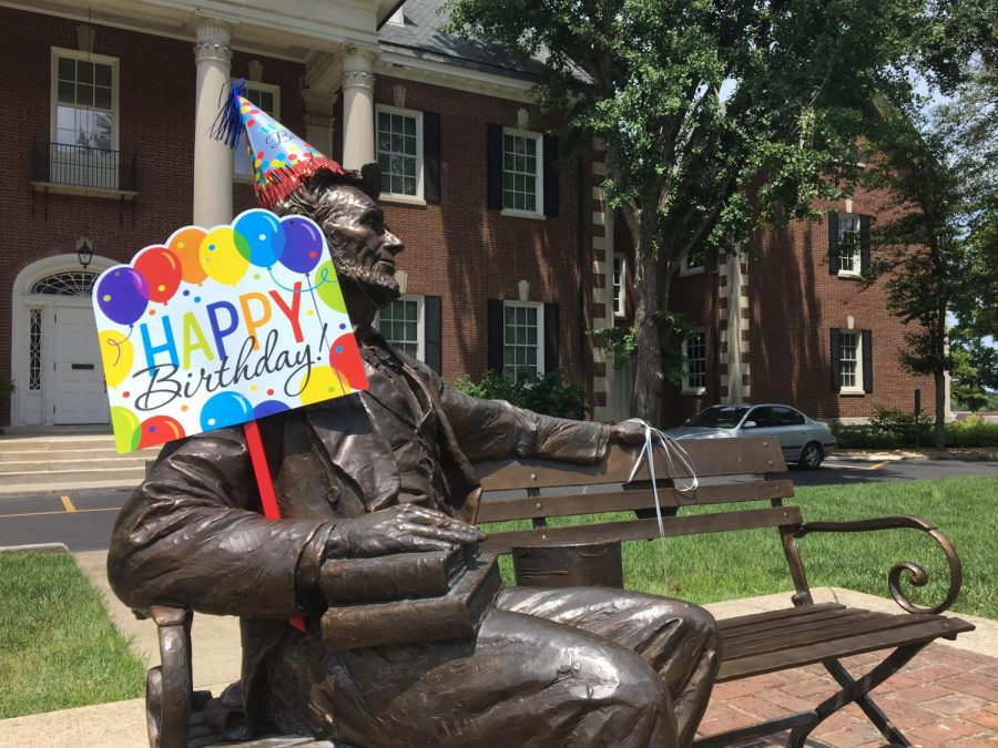 The+Kentucky+Museum+celebrated+Kentuckys+225th+birthday+by+offering+free+admission+all+day.+They+also+decorated+parts+of+the+museum+and+offered+selfies+with+the+birthday+themed+Abraham+Lincoln+statue+outside+the+museum.+Rebekah+Alvey%2FHerald