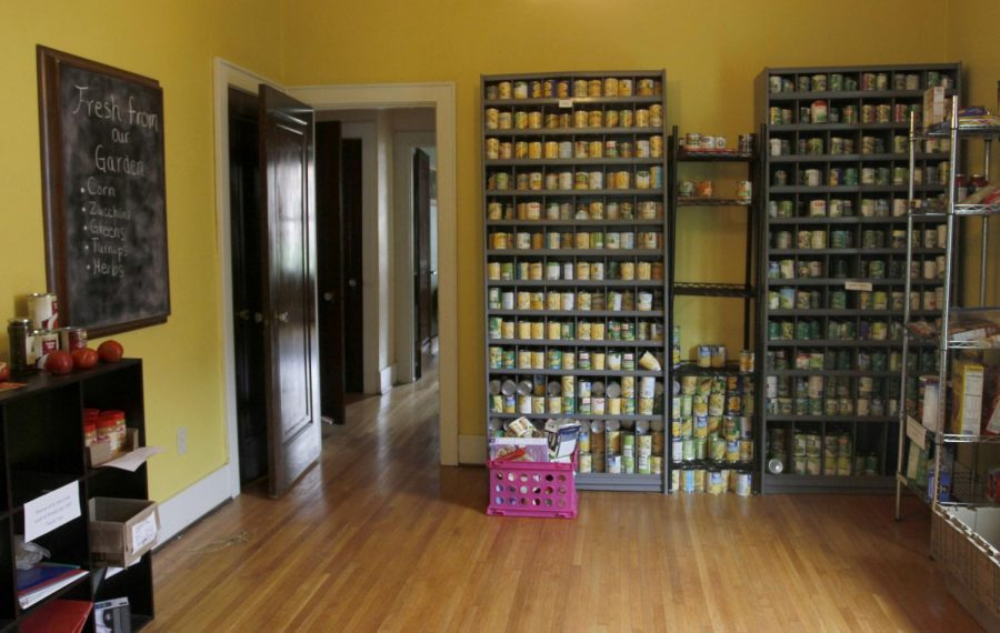Inside+the+Office+of+Sustainability+the+food+pantry+stays+open+throughout+the+summer.+In+addition+to+traditional+food+pantry+items+such+as+canned+corn+and+beans%2C+the+office+offers+fresh+vegetables+from+their+community+garden.+Rebekah+Alvey%2FWKU+Herald
