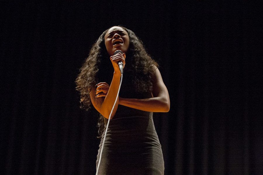 """Sophomore Tyler Adams of St. Louis, Mo. performs a cover of Alicia Keys's """"If I Ain't Got You"""" during the Major Madness Talent Show auditions on Sept. 20, 2017. Adams started performing in her church at age 7 and has continued to perform at various events throughout her life. When it comes to performance, Adams says, """"everybody gets butterflies, but once I get on stage…everything goes away and it's just me singing."""""""