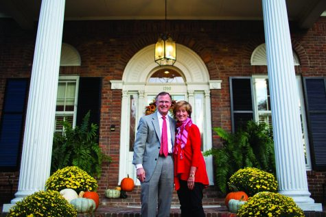 Gary and Julie Ransdell on Oct. 10, 2016, in front of the President