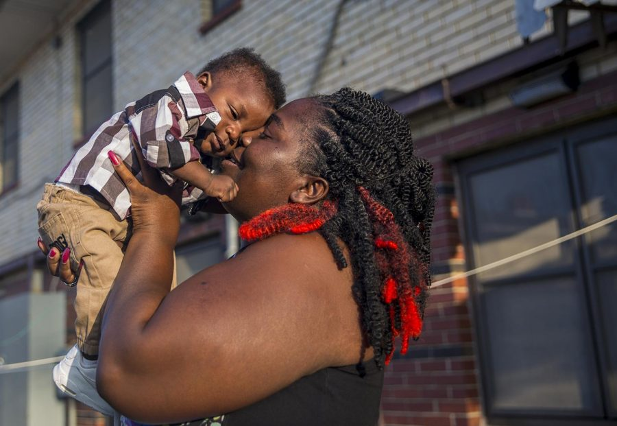 Although+she+is+not+a+resident%2C+DeShawna+Washam+brings+her+5-month-old+son%2C+Devoe+Johnson%2C+to+visit+his+dad+at+the+Elmwood+apartment+complex.+%22I+was+born+and+raised+here%2C%22+Washam+said.+%22But+there+are+really+only+a+few+people+left.%22