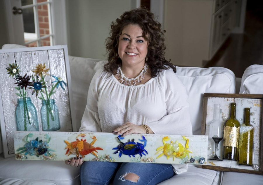 Elizabeth Rhodes is a WKU alumna and local glass artist in Bowling Green. She graduated from WKU in 1995 and began her art business the same year. Rhodes still creates many commissioned art pieces for clients, but she also teaches weekly painting and glass collage making classes at the Resurrection Shop.