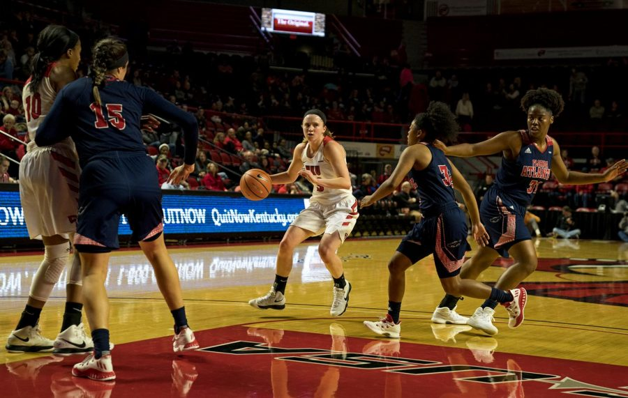Senior+forward+Ivy+Brown%2C+%2823%29%2C+of+Hodgenville%2C+Ky.%2C+looks+down+the+court+for+an+open+player+during+the+game+against+Florida+Atlantic+on+Saturday%2C+Feb.+3%2C+2018+at+E.A.+Diddle+Arena.