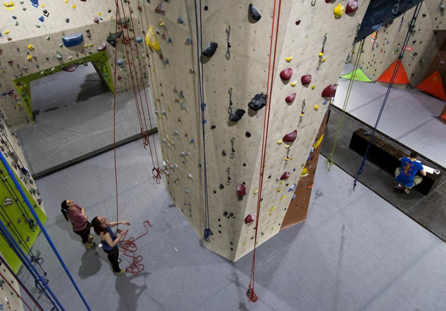 Vertical+eXcape+in+Bowling+Green+opened+in+February+2017%2C+and+has+since+contributed+to+the+growing+interest+of+rock+climbing+in+the+area%2C+including+the+founding+of+the+WKU+rock+climbing+club.