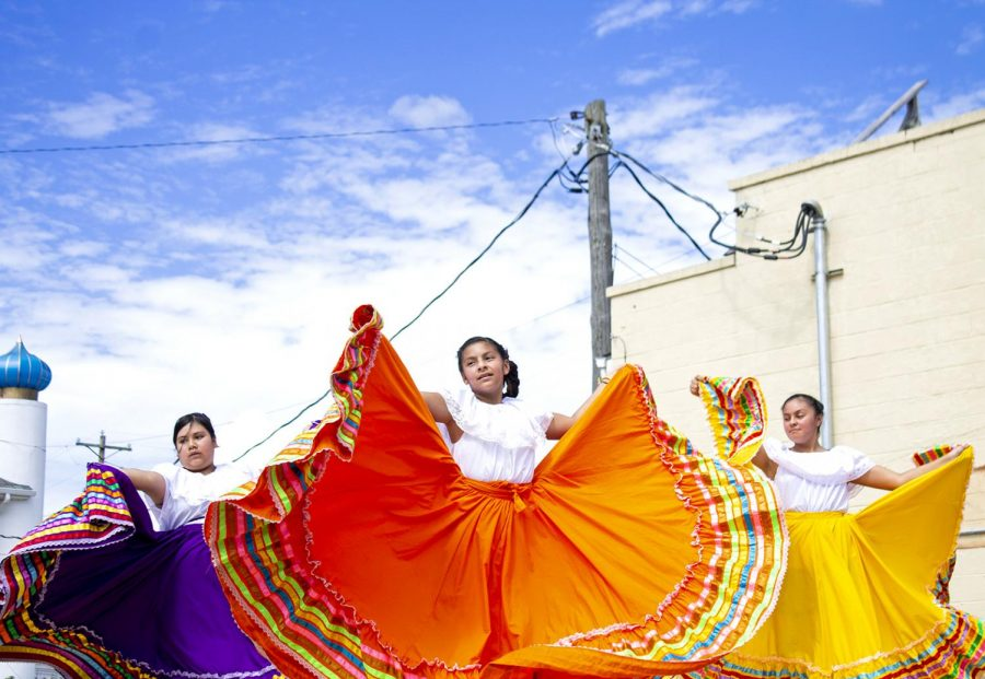 Local+dance+students+perform+a+traditional+Mexican+dance+at+BG+Fiestaval+in+Bowling+Green%2C+Kentucky+to+celebrate+the+eve+of+Mexico%27s+Independence+Day+on+Saturday%2C+September+15%2C+2018.