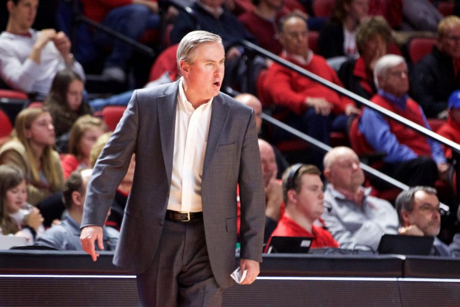 WKU+head+coach+Rick+Stansbury+gives+commands+during+his+team%27s+77-76+loss+at+Florida+International+on+Jan.+17+in+Diddle+Arena.