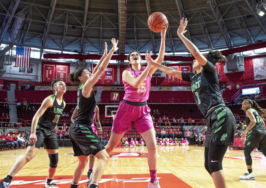 WKU+forward+Raneem+Elgedawy+%2815%29+puts+up+a+shot+against+North+Texas+on+Saturday.+Elgedawy+scored+a+team-high+14+points+and+seven+rebounds+in+the+76-67+loss+to+the+Mean+Green+at+Diddle+Arena.