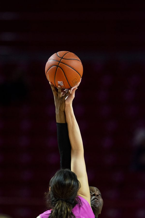 The+WKU+Lady+Toppers+welcomed+the+North+Texas+Mean+Green+to+Diddle+Arena+on+Saturday.+WKU+was+defeated+76-67+for+their+second+consecutive+loss.+CHRIS+KOHLEY%2FHERALD