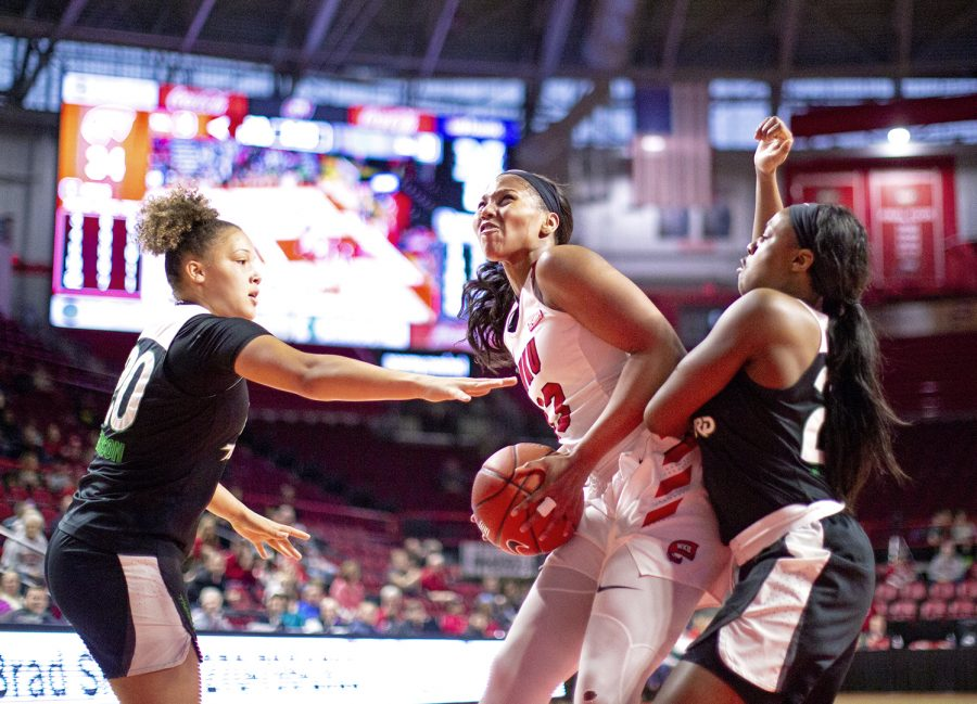 Freshman+forward+Jae%27Lisa+Allen+charges+toward+the+hoop+during+the+Lady+Toppers%27game+against+Marshall+on+Jan.+12%2C+2019.