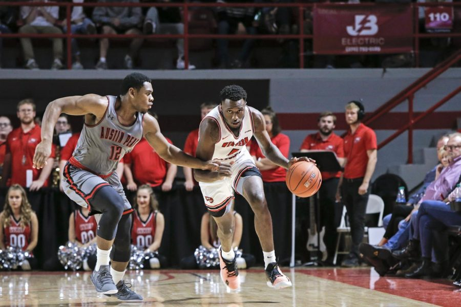 WKU+junior+guard+Josh+Anderson+%284%29+dribbles+the+ball+down+the+court+against+Austin+Peay+on+in+E.+A.+Diddle+Arena+on+Saturday%2C+Nov.+9%2C+2019.