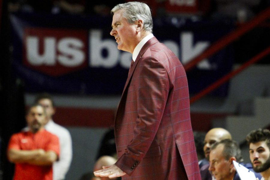 WKU+head+coach+Rick+Stansbury+communicates+with+one+of+his+players+on+the+court.+The+Hilltoppers+defeated+the+Razorbacks+86+-+79+in+Diddle+Arena+on+Saturday%2C+December+7%2C+2019.