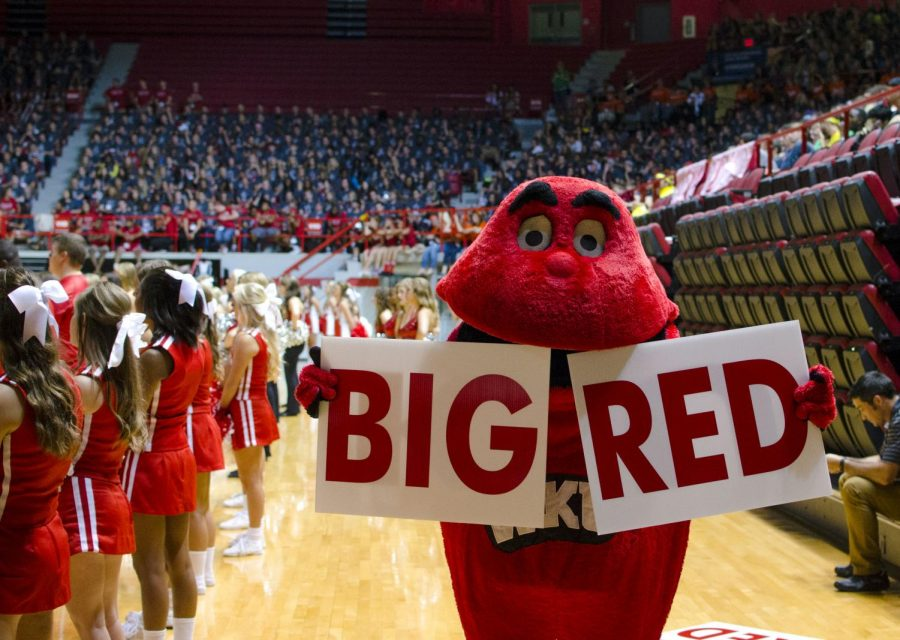 Big Red pumps up the crowd of freshmen at the 2014 MASTER Plan convocation. Tanner Cole/HERALD