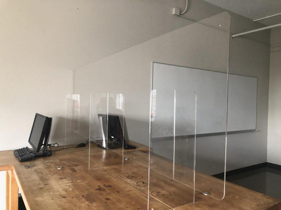Plexiglass Barriers in Ogden College Labs