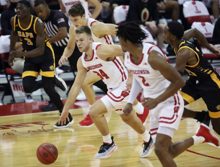 Fans take to Twitter to weigh in on Wisconsin Badgers' victory over Arkansas-Pine Bluff Golden Lions