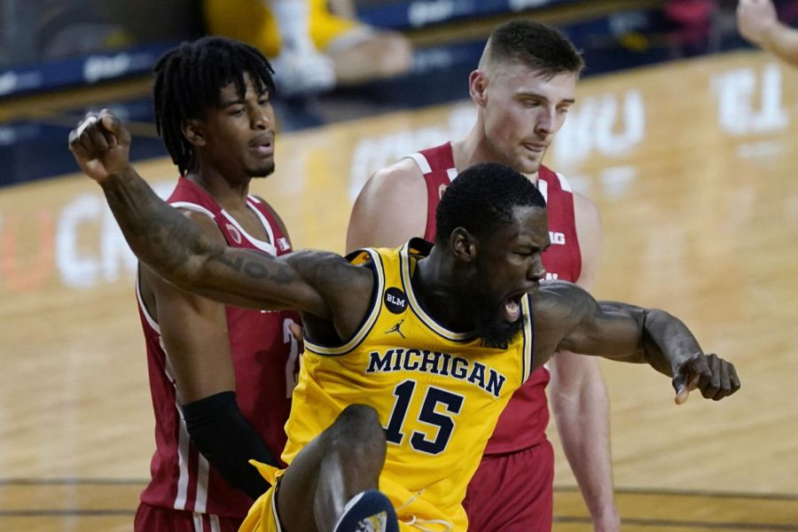 Badgers fans vent outrage on Twitter after Wisconsin shredded by Michigan Wolverines