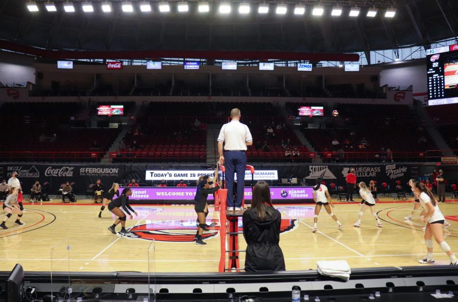 WKU+women%E2%80%99s+volleyball+returned+to+action+on+Sunday+against+Mercer+at+Diddle+Arena+in+Bowling+Green%2C+KY.+The+team+beat+Mercer+3-1.