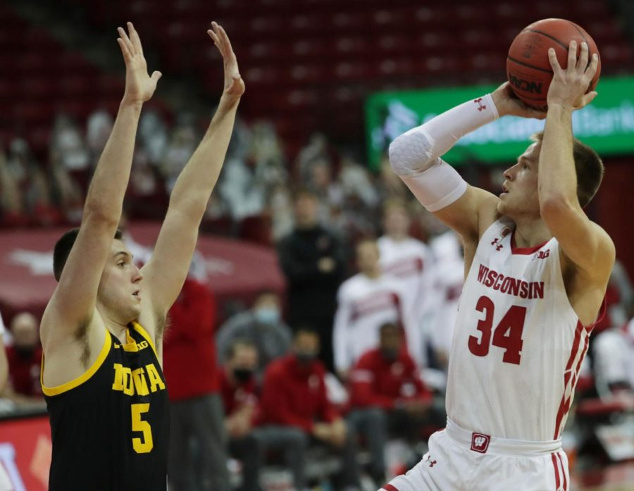 Badgers fans on Twitter at their wits' end after Wisconsin routed by Iowa at the Kohl Center