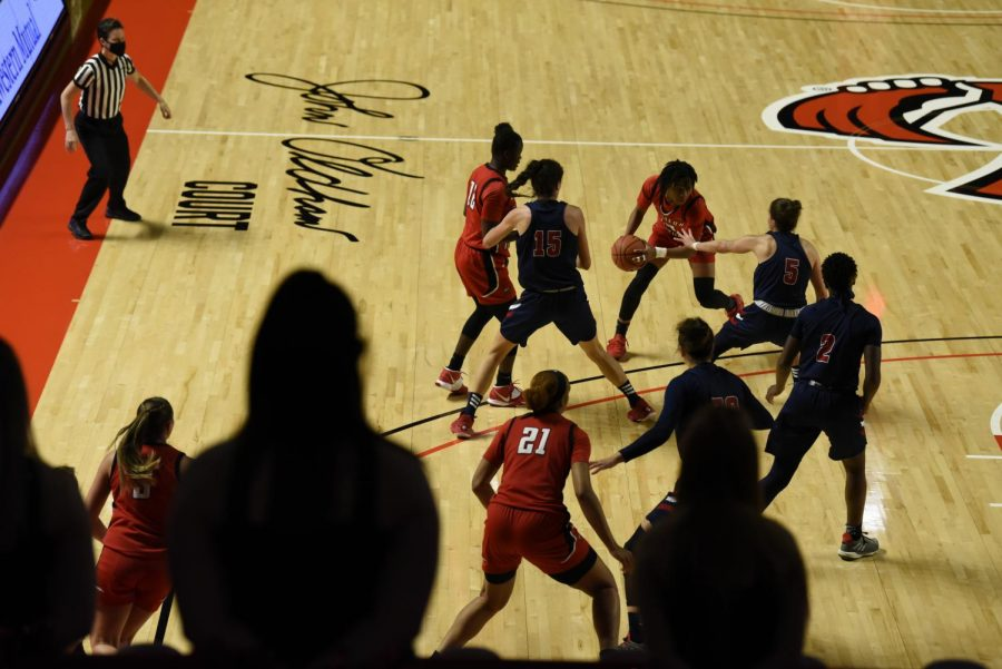 At halftime, the Lady Toppers were down 42-30 against Florida Atlantic University. The two teams played in Diddle Arena on Saturday, Feb. 6.