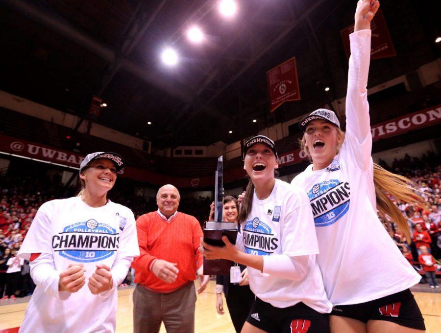 UW Volleyball 02.jpg
