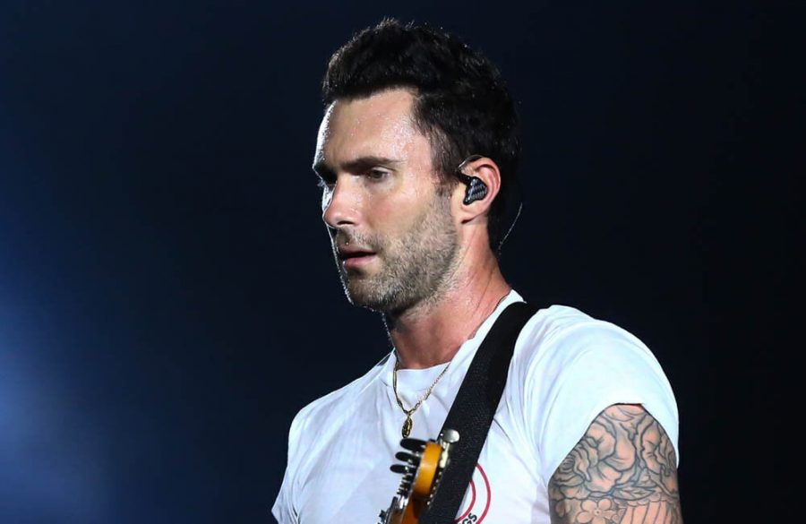 Adam+Levine+jokes+Gwen+Stefani+and+Blake+Shelton+%27can%27t+afford%27+him