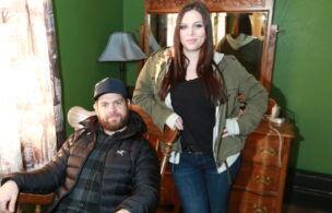 Jack+Osbourne+and+Katrina+Weidman+in+room+305%2C+rocking+chair