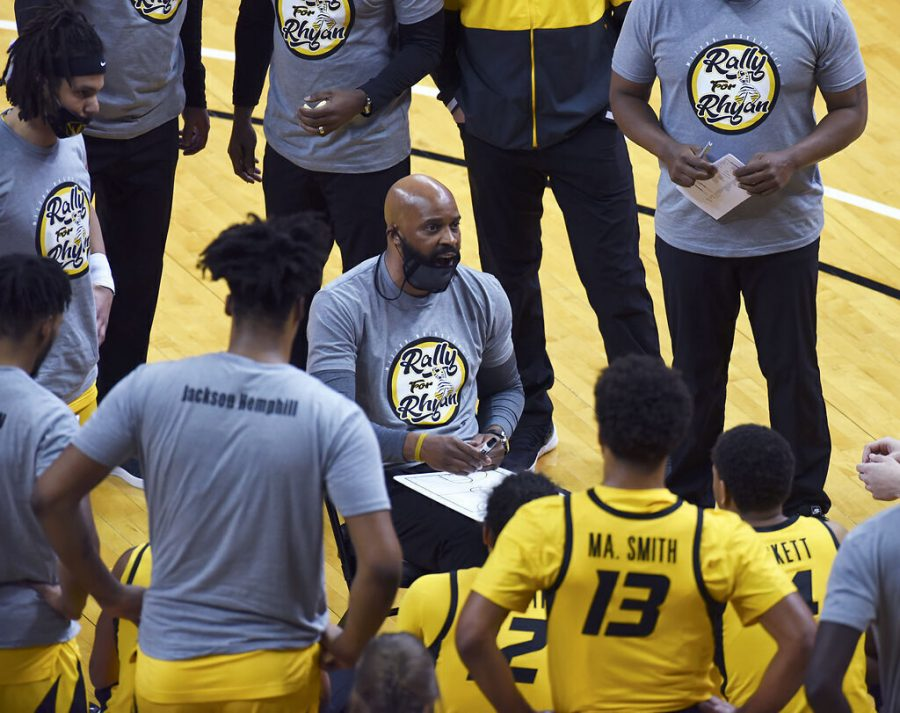 Missouri+basketball+coach+Cuonzo+Martin+draws+game+strategies+on+a+whiteboard+during+a+timeout+against+Arkansas+on+Feb.+13+at+Mizzou+Arena+in+Columbia.+Martin+will+have+to+deal+with+roster+turnover+next+season+after+the+departure+of+seniors+and+guard+Xavier+Pinson.