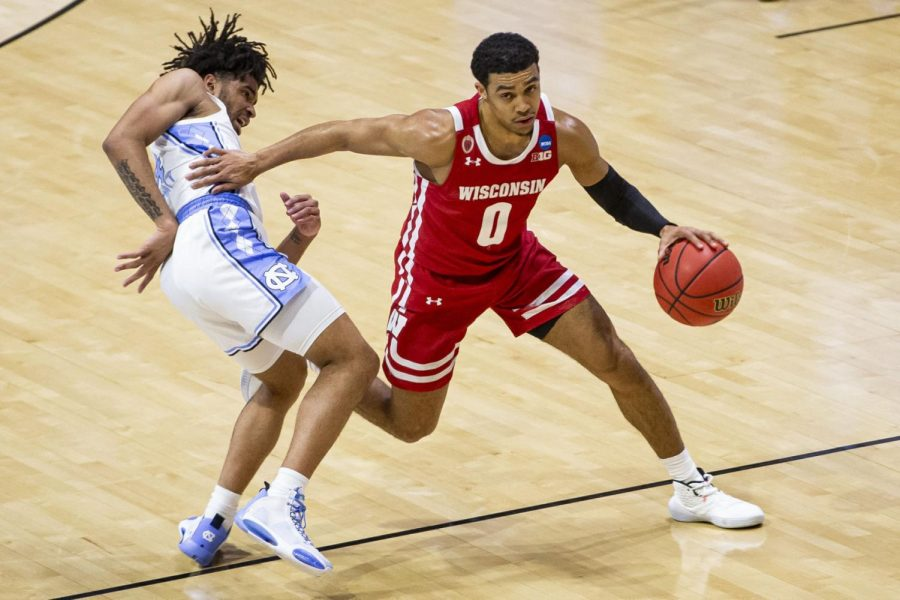 Badgers fans on Twitter riding high after Wisconsin opens NCAA tournament by cruising past Tar Heels