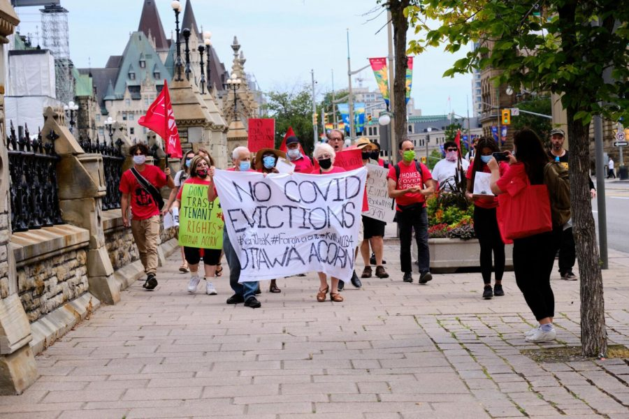 Protesters+join+ACORN+Canada+calling+for+extension+of+Ontario+rent+forgiveness+and+eviction+moratorium+on+July+22%2C+2020.%C2%A0