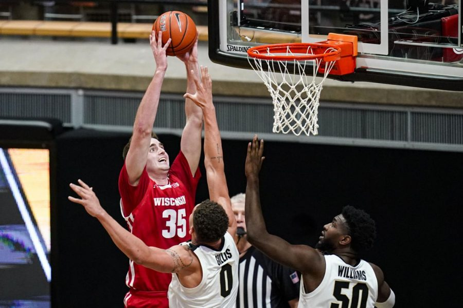 Badgers fans on Twitter have seen enough as Wisconsin's woes continue with narrow loss at Purdue