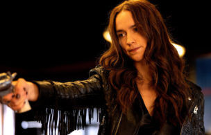'Wynonna Earp' Stars on Being Tempted by Love, Kicking Chickens and More Purgatory Craziness