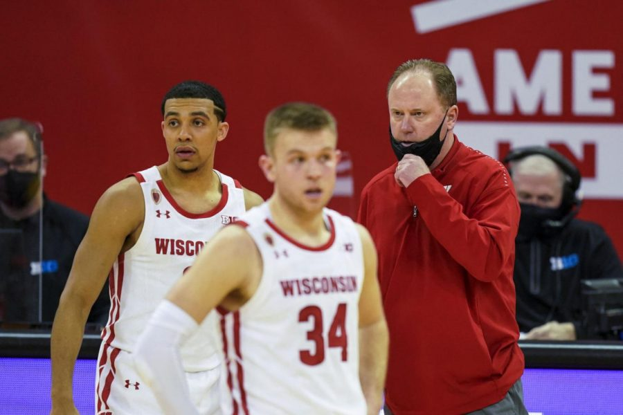 Badgers fans on Twitter managing expectations as Wisconsin lands North Carolina to open NCAA tournament