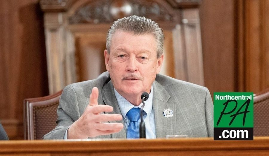 Sen. James Brewster has introduced a bill to ban Pennsylvania state lawmakers from receiving