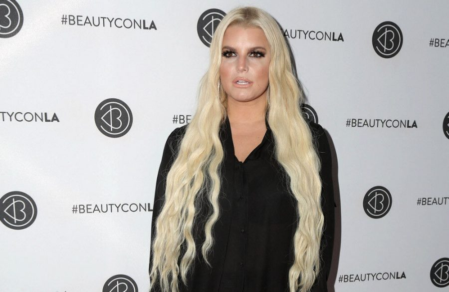 Jessica Simpson is still hurting about weight scrutiny