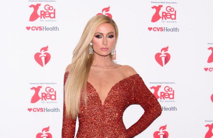 Paris Hilton praises mom Kathy