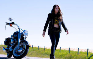 'Wynonna Earp' Goes Out In Style With a Wedding, Love and Earp Craziness (RECAP)