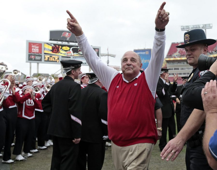 Badgers+interim+head+coach+Barry+Alvarez+walks+off+the+field+after+his+team%27s+win+over+Auburn+in+the+Outback+Bowl+on+Jan.+1%2C+2015%2C+at+Raymond+James+Stadium+in+Tampa%2C+Fla.