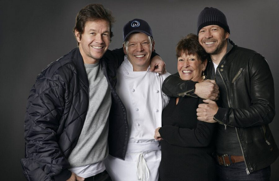 Mark+and+Donnie+Wahlberg%27s+mother+Alma+passes+away+aged+78