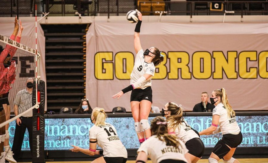 Western+Michigan%E2%80%99s+Rachel+Bontrager%2C+a+Valparaiso+graduate%2C+was+named+the+MAC+Player+of+the+Year.+The+senior+finished+the+season+with+387+kills%2C+which+was+fourth+overall+among+NCAA+Division+I+players.