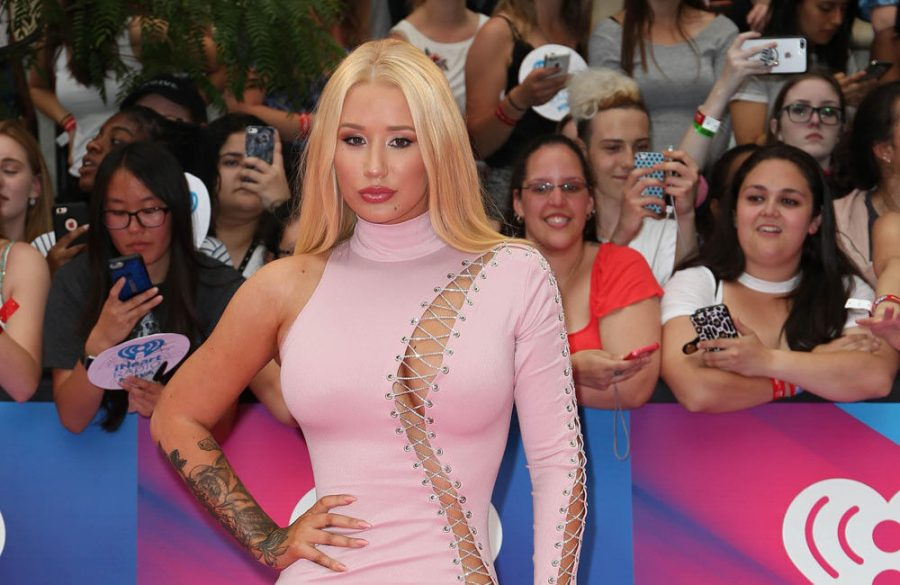 Iggy+Azalea+thought+she+would+need+plastic+surgery+to+regain+figure+after+giving+birth