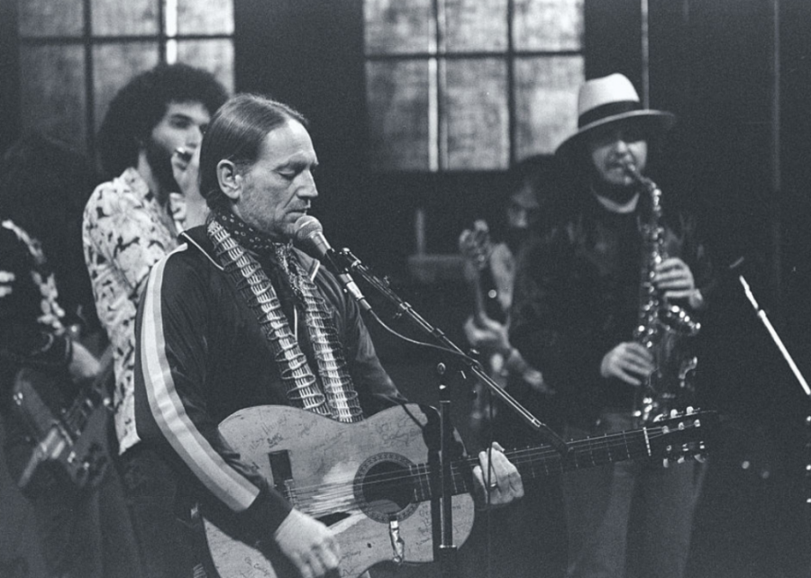 1973%3A+Willie+Nelson+hosts+his+first+Fourth+of+July+picnic