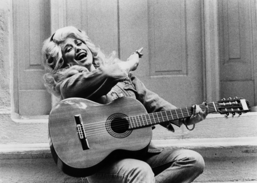 1966%3A+Dolly+Parton+releases+her+first+record