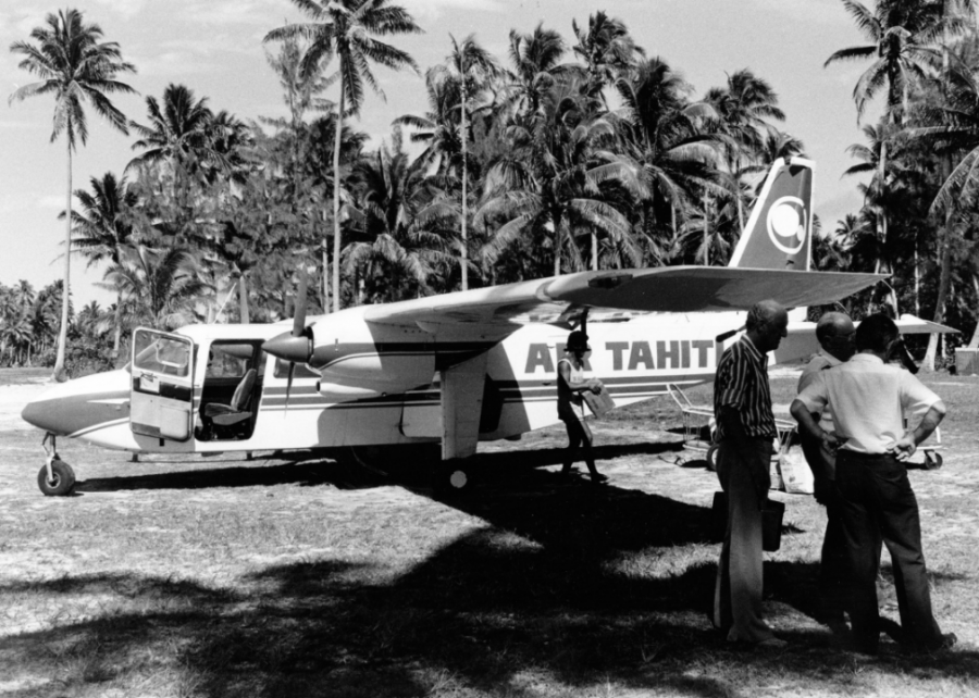 1966%3A+Buying+a+Tahitian+paradise