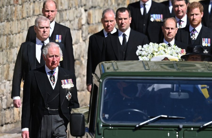 Princes+William+and+Harry+sit+opposite+each+other+at+Prince+Philip%27s+funeral
