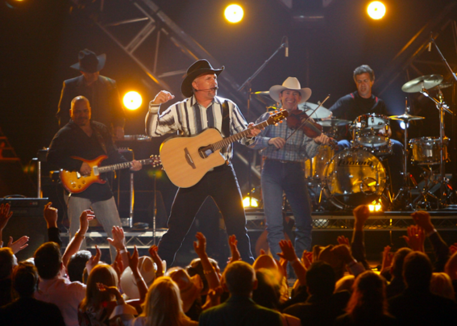 %2326.+%27Ropin%27+The+Wind%27+by+Garth+Brooks