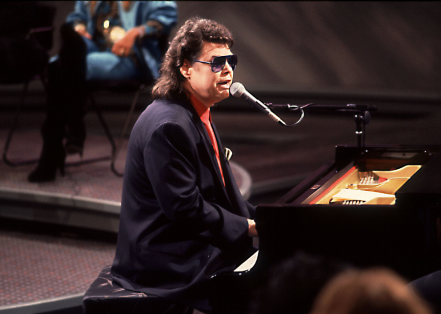1985%3A+%27Lost+in+the+Fifties+Tonight+%28In+the+Still+of+the+Night%29%27+by+Ronnie+Milsap