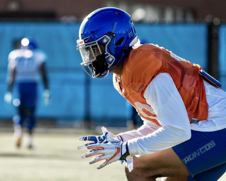 Boise State defensive end Isaiah Bagnah takes part in practice on Oct. 20.