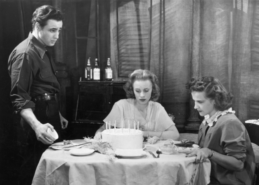 1943%3A+Brando+studies+acting+in+New+York