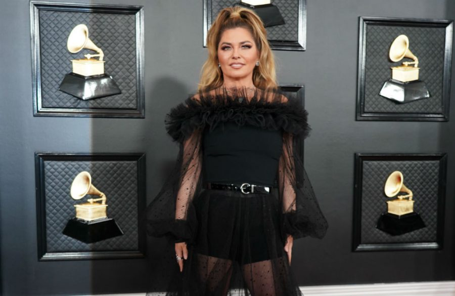 Shania+Twain+rewears+Man%21+I+Feel+Like+a+Woman%21+outfit