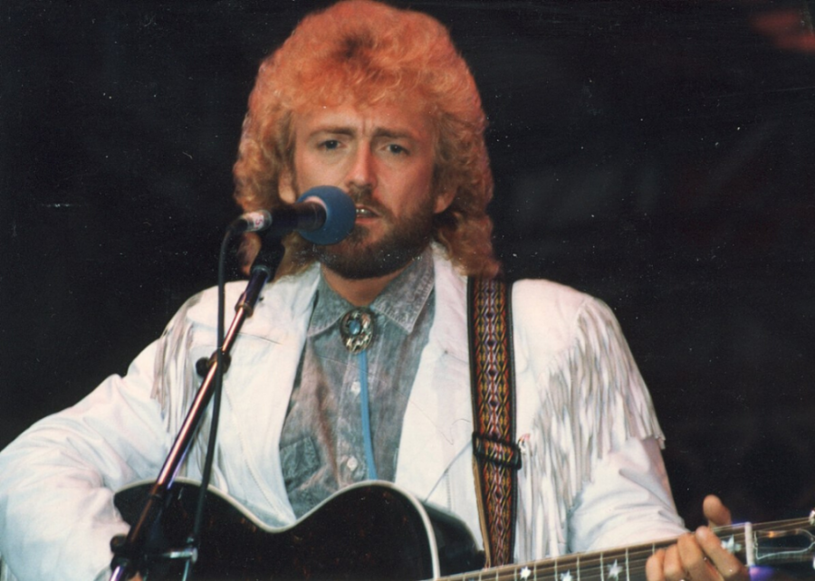 1989+%28tie%29%3A+%27I%27m+No+Stranger+to+the+Rain%27+by+Keith+Whitley%2C+%27The+Church+on+Cumberland+Road%27+by+Shenandoah
